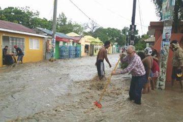 ¿Cómo evitar enfermarse en medio de las inundaciones?