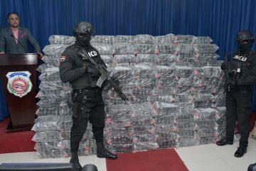 DNCD decomisa 1,065 paquetes que presume es droga