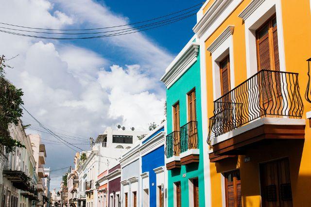 Comerciantes de Puerto Rico afectados por huracán piden prórroga en pago de póliza