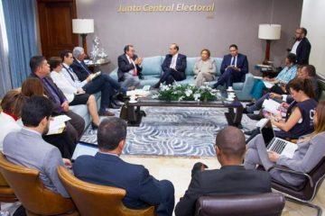 Pleno de JCE se reúne con delegados de CIDH