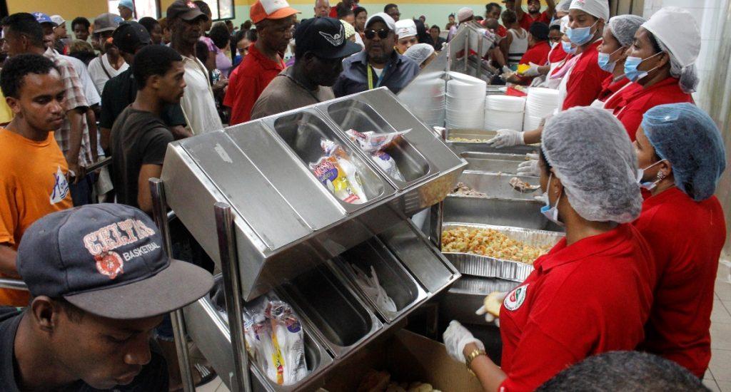 Comedores econ micos ofrece almuerzo gratis de navidad for Comedores economicos