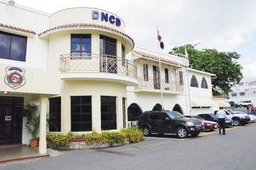 Investigan varios miembros de la DNCD en aeropuerto de La Romana