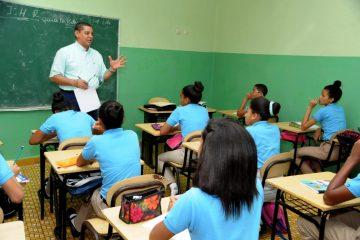 Educación convoca a reiniciar clases este lunes 8 de enero
