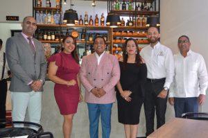 Valentín Tejada, William Rijo, Yamil Ferreiras, Robert Méndez Sosa, Carolina Moreno y Edwin Castillo .