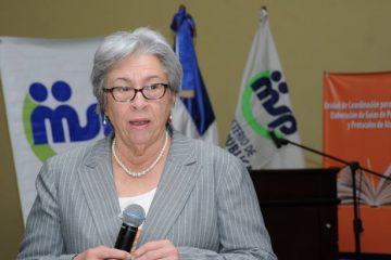 Ministra Salud exhorta a la población no automedicarse por virus gripal