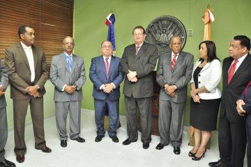 Cambios en el IDSS Doctor Diego Hurtado Brugal sustituye al doctor César Mella