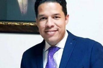 Tres meses más de prisión preventiva contra viceministro nombrado por un día Van Troy Suaz