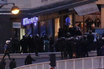 Liberan una decena de rehenes de supermercado atacado en el sur de Francia