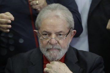 El juez Sergio Moro decreta la prisión de Lula y le da un día para entregarse