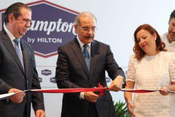 Presidente Danilo Medina asiste a inauguración Hotel Hampton by Hilton