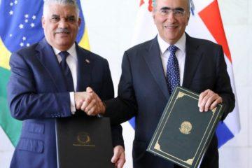 República Dominicana y Brasil firman acuerdos; suprimen visados