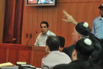 Dejan en libertad al cirujano Edgar Contreras tras variar pena de tres años de cárcel