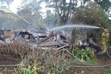 Incendio reduce a cenizas una cabaña en Jarabacoa