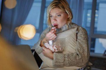 La causa por la que comes más cuando estás triste o angustiado