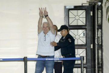 Expresidente Martinelli hospitalizado por afección cardiaca
