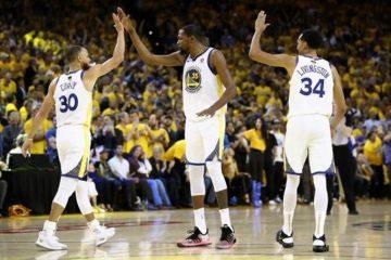 Los Warriors ganan el primer partido en la final de la NBA