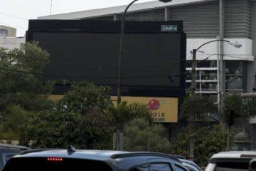 Alcaldía multa empresa por video porno en pantalla publicitaria de la 27 de Febrero