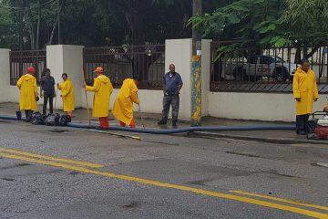 Obras Públicas desagua calles del Gran Santo Domingo y el Distrito Nacional
