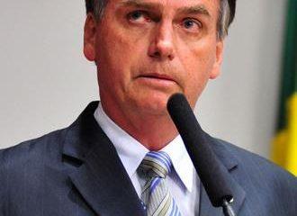 Apuñalan candidato presidencial durante mitin en Brasil