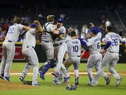 Dodgers y Cerveceros ganan su  división
