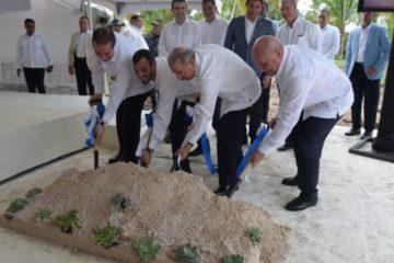 Presidente Medina encabeza el inicio de construcción complejo hotelero