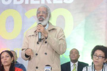 Juan Hubieres lanza precandidatura presidencial
