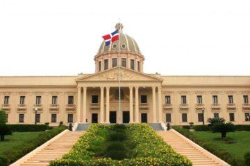 DECRETOS: Confirman a Jaime David y a otros en la Junta Monetaria; Susana Gautreau, vice ministra de Energía y Minas