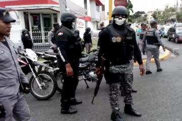 Policía mata a un estudiante de medicina cuando observaba protesta de motoconchistas