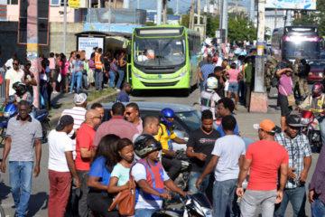 Fenatrano realiza «paro sorpresa » Cientos de personas han quedado varadas este Lunes