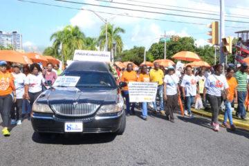 Miles marchan por una ley que castigue y ponga fin a la violencia