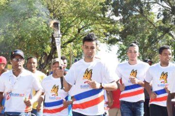 Luguelín Santos encabeza recorrido en Bayaguana