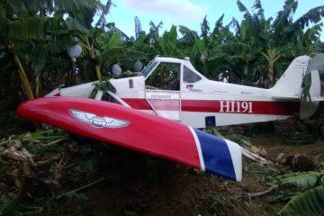 Cae avioneta en finca de Mao; piloto resulta herido