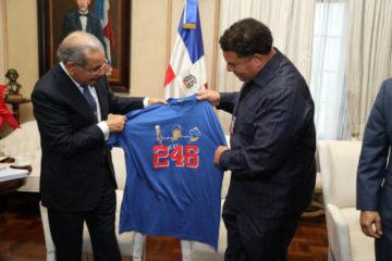 Presidente Danilo Medina recibe a Bartolo Colón