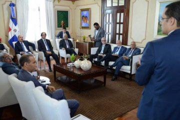 Presidente Medina evalúa reforma de la Ley de Seguridad Social