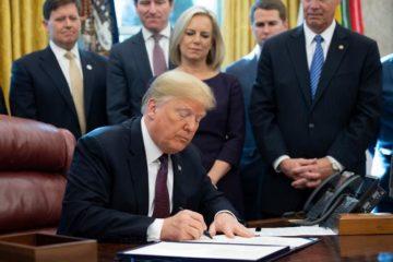 Trump abre la puerta a librar a China de una nueva tanda de aranceles