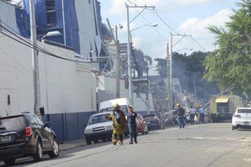Gran explosión y humareda en los alrededores de Villas Agrícolas