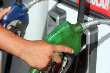 Bajan precios de combustibles