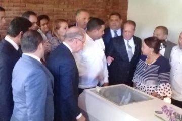 Presidente Danilo Medina y varios funcionarios asisten a funeral de dirigente peledeísta de Dajabón