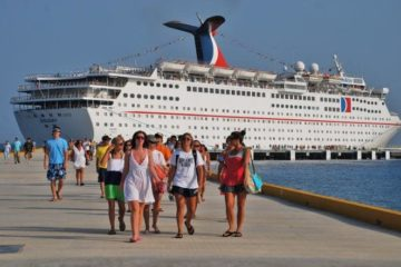 Puertos de RD inician 2019 con llegada de 12 cruceros con capacidad de más de 40 mil visitantes