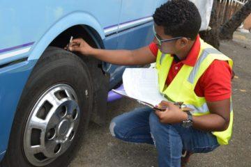 INTRANT prohíbe el uso e instalación de gomas usadas no aptas para circulación