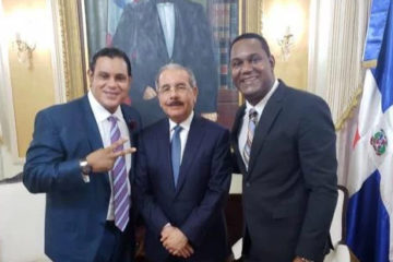 Expelotero Sammy Sosa visita al presidente Medina, previo a la boda de Franklin Mirabal