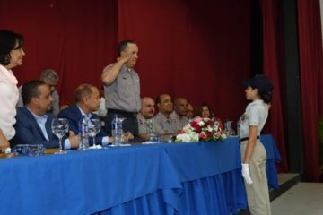 Gradúan a 50 nuevos policías juveniles comunitarios en Jarabacoa