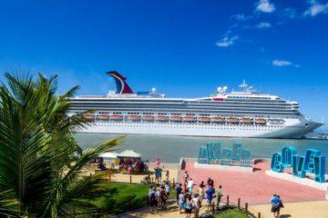 Danilo Medina proclama RD líder turístico en Centroamérica alcanzando récord 7,6 millones visitantes