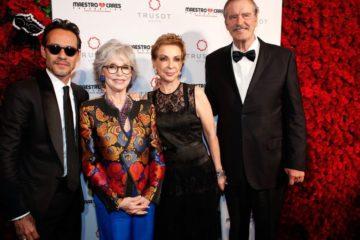 La fundación de Marc Anthony reconoce a actores y al expresidente Vicente Fox