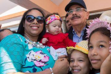 Presidente Medina dice Gobierno favorece participación de mujeres en todos los ámbitos