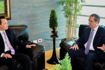 Ministro Francisco Javier y embajador chino conversan sobre comercio y turismo