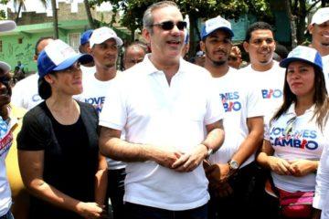 Luis Abinader asegura el cambio es poner la política al servicio de la gente