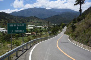 Presidente Medina deja en servicio nueva carretera Jarabacoa-Manabao-La Ciénaga