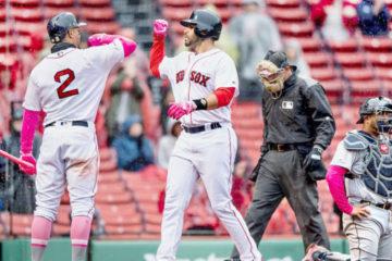 Boston barrió a Seattle; Devers pegó tres imparables