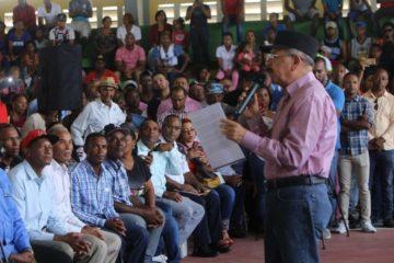 Medina dispone fomento 10 mil tareas de aguacate a productores de SJ